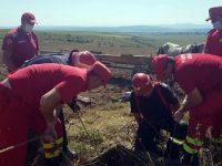 Un bărbat a căzut 12 metri într-o fântână secată