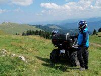 Un cuplu de turişti a rătăcit o zi întreagă într-o pădure din zona Broşteni