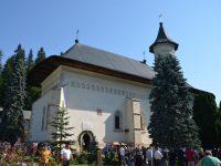 Mănăstirea Slatina şi-a serbat hramul