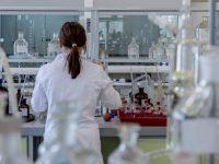 Un cadru didactic universitar a fost confirmat cu SARS-CoV-2