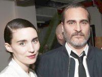 Joaquin Phoenix şi Rooney Mara au devenit părinţii unui băieţel, River