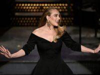 """Adele anunţă că următorul ei album se va intitula """"30"""""""