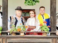 """Artişti din nouă zone folclorice ale ţării au participat la """"Atelierul Naţional de Folclor"""""""