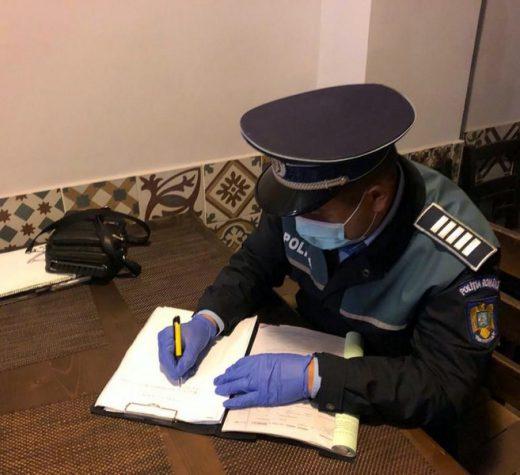 Poliţiştii au întrerupt cumetrii organizate în mai multe localităţi din judeţ