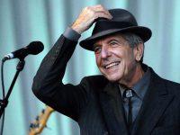 Viaţa lui Leonard Cohen este gravată în lemn