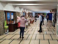 Aproape 200 de cetăţeni moldoveni au votat ieri, până la prânz, la Suceava