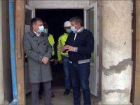 """Ministrul Culturii şi primarul de Fălticeni, satisfăcuţi de stadiul lucrărilor de reabilitare a Muzeului """"Vasile Ciurea"""""""