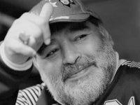 Fostul mare fotbalist Diego Maradona a murit în urma unui stop cardio-respirator
