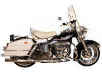 Un inel şi o motocicletă ale lui Elvis Presley, iahtul lui Eric Clapton şi înregistrări de la Woodstock, scoase la licitaţie
