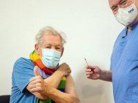 """Actorul Ian McKellen se declară """"euforic"""" după ce a fost vaccinat împotriva maladiei Covid-19"""