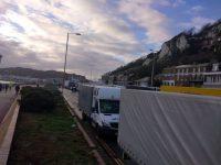 Calvar pentru şoferii suceveni blocaţi la Dover