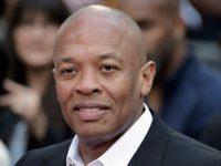 """Rapperul Dr. Dre, spitalizat în Los Angeles, spune că se simte """"bine"""""""