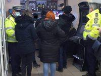Amenzi şi persoane evacuate dintr-un restaurant deschis la ora 1 noaptea