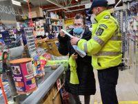 Poliţiştii suceveni au verificat respectarea măsurilor de prevenire a răspândirii Covid-19
