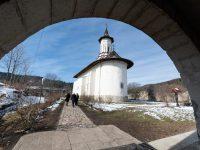 Restaurarea Mănăstirii Solca va fi nu doar onoarea Bisericii, ci şi a solcanilor !