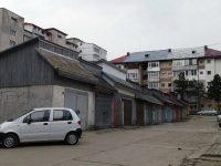 Primăria Suceava va dărâma 141 de garaje de la intrarea în Obcini şi din groapa cu lei