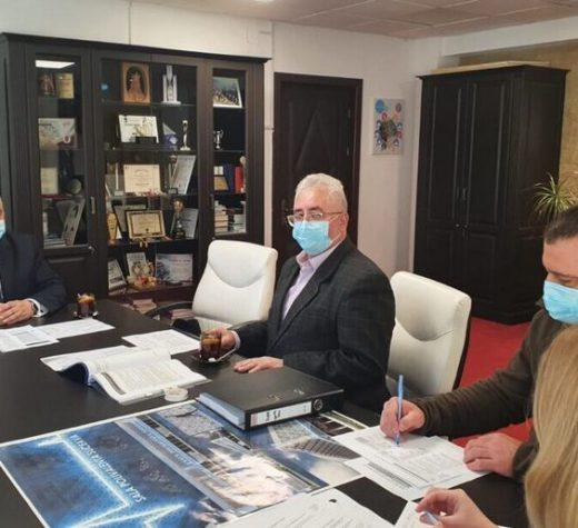 Primarul Ion Lungu a discutat cu rectorul USV şi cu reprezentanţi ai unor unităţi de învăţământ preuniversitar