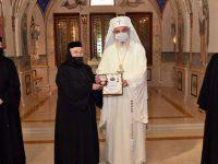Maicile de la Voroneţ – decorate de Patriarhul Daniel, pentru promovarea şi susţinerea valorilor creştine şi a filantropiei