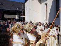 Biserica din Rădăşeni a fost sfinţită de şapte ierarhi