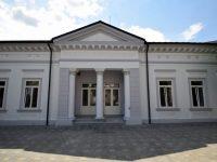 """Biblioteca Municipală """"Eugen Lovinescu"""" din Fălticeni îşi reîncepe activitatea într-un spaţiu modern"""