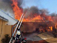 Puternic incendiu într-o gospodărie din Calafindeşti