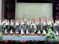 """Ansamblul """"Ţărăncuţa"""" din Marşiniţa şi-a etalat zestrea într-un spectacol folcloric aniversar"""