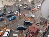 Mai multe maşini distruse în zona centrală a Fălticeniului