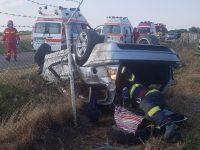 Doi tineri de 18 şi 22 de ani  au murit, iar alţi trei au fost răniţi după ce un autoturism  s-a răsturnat în Cornu Luncii