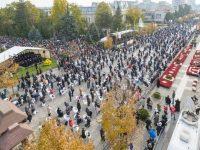 Mii de credincioşi au participat la slujba liturgică de hramul Cuvioasei Parascheva